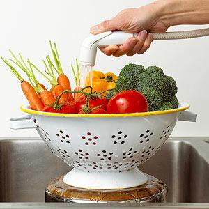 Does Rinsing Fruits & Veggies Work?