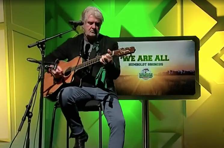 """WATCH: Tom Cochrane turns his hit """"Big League"""" into acoustic Humboldt tribute."""