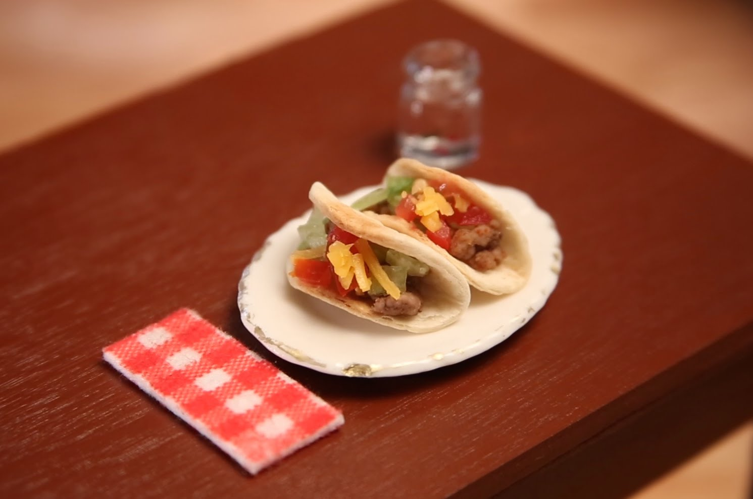 TINY TACOS TO START YOUR WEEK.