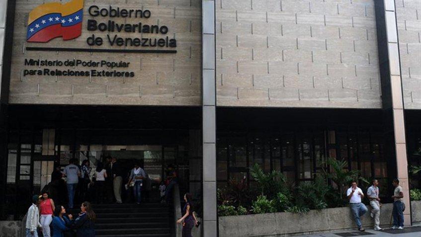 Cancillería venezolana desmiente realidad del golpe