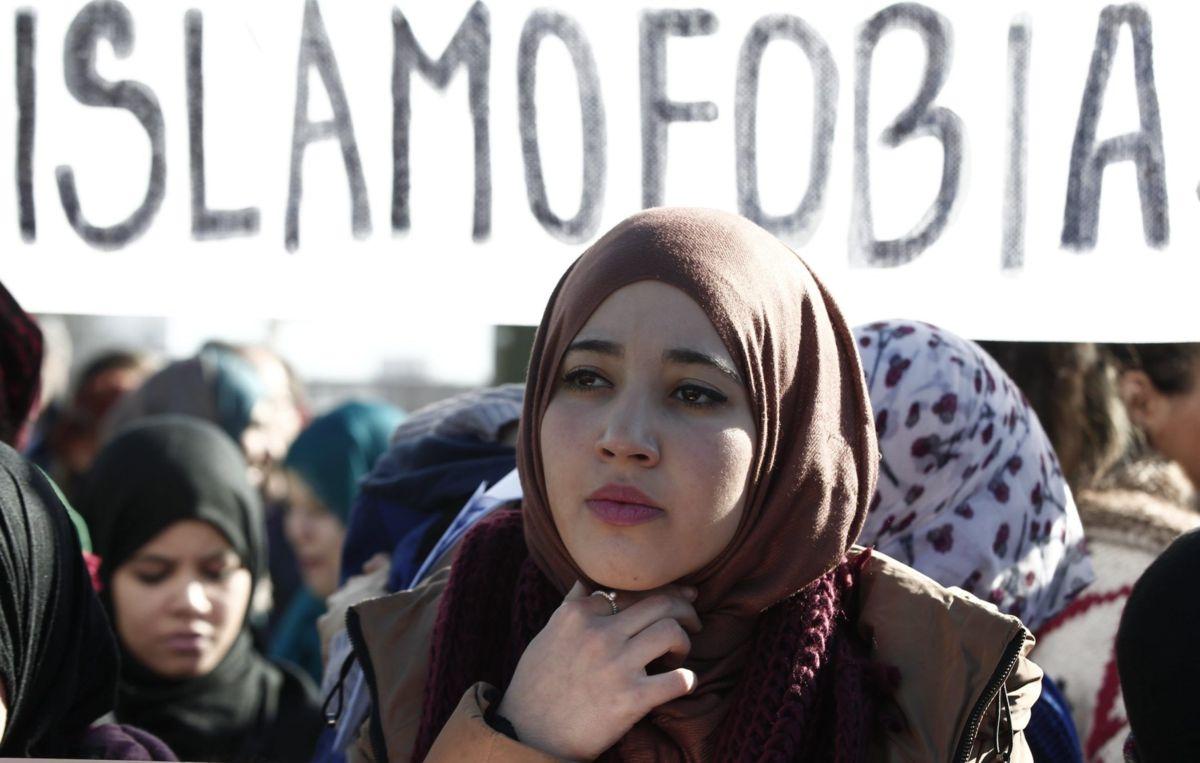 """La Cámara de los Comunes de Canadá aprueba una moción que condena la """"islamofobia"""""""