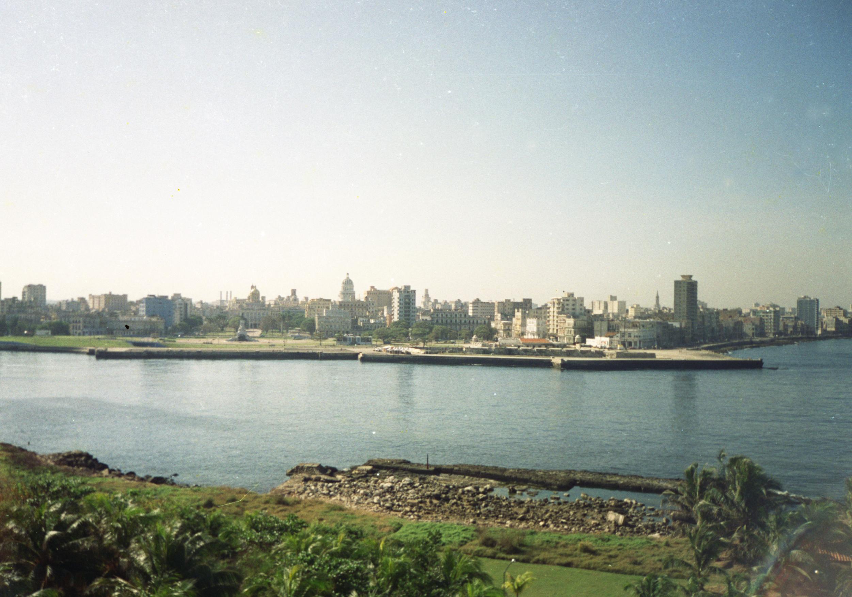Cuba empieza a sanear la bahía de La Habana