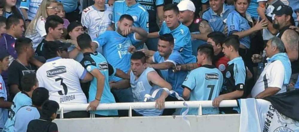Argentina: Hincha del Belgrano murió tras ser arrojado desde las gradas