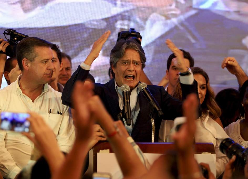 Lasso advierte a Correa no jugar con fuego