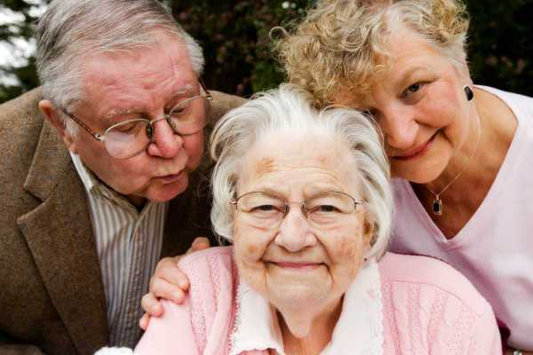 Las personas mayores ahora superan en número a los niños en Canadá