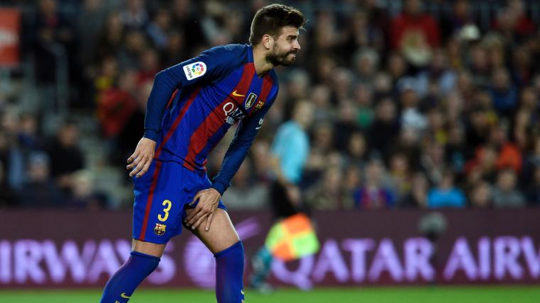 Barcelona vuelve a los entrenamientos atento de la salud de Gerard Piqué