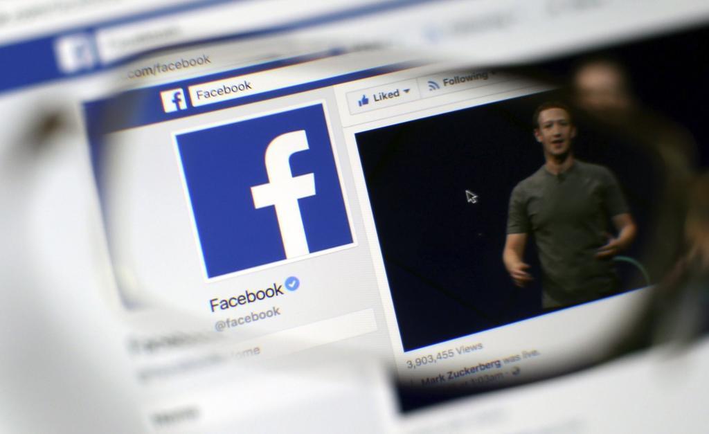 Bruselas multa a Facebook por mentir sobre Whatsapp