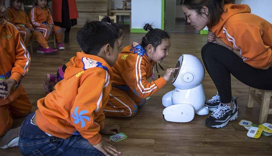 En China, los robots ya cuidan a los humanos.