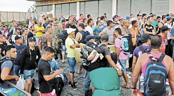 Cubanos varados en Latinoamérica podrían encontrar refugio en Canadá