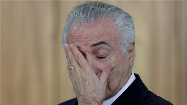 Aumenta presión sobre presidente de Brasil para que renuncie
