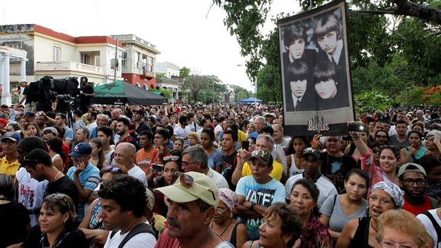 """Cuba celebra hoy los 50 años de """"Sgt. Pepper's"""" de The Beatles con mensajes de paz y conciertos masivos"""