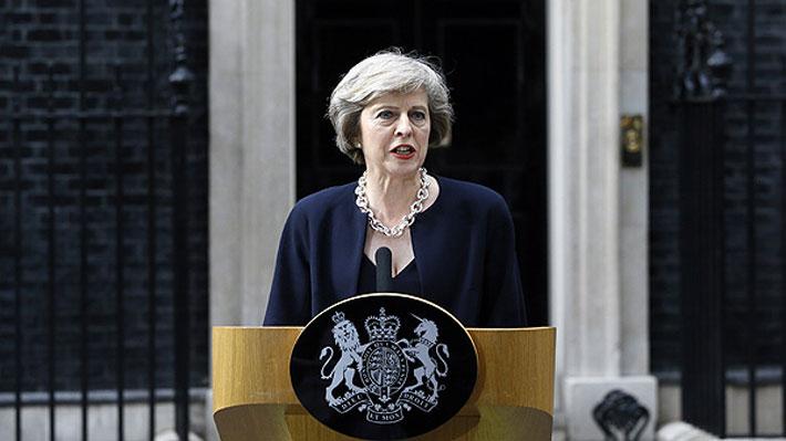 Theresa May ministra de Londres dice que atentado terrorista es también contra el mundo democrático