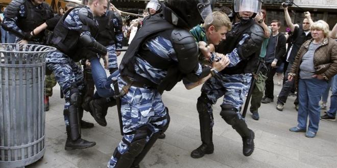 Más de 250 personas detenidas en marchas de protesta no autorizadas en Moscú y San Petersburgo