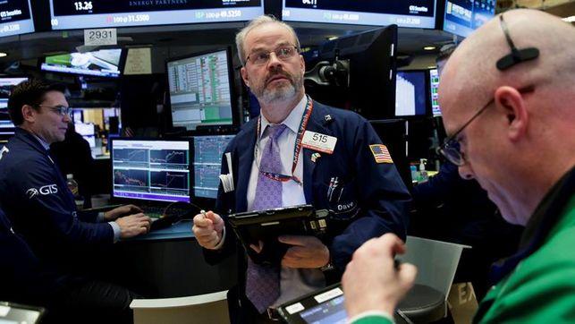 Wall Street abre hoy a la baja y el Dow Jones de Industriales cedía un 0.35%