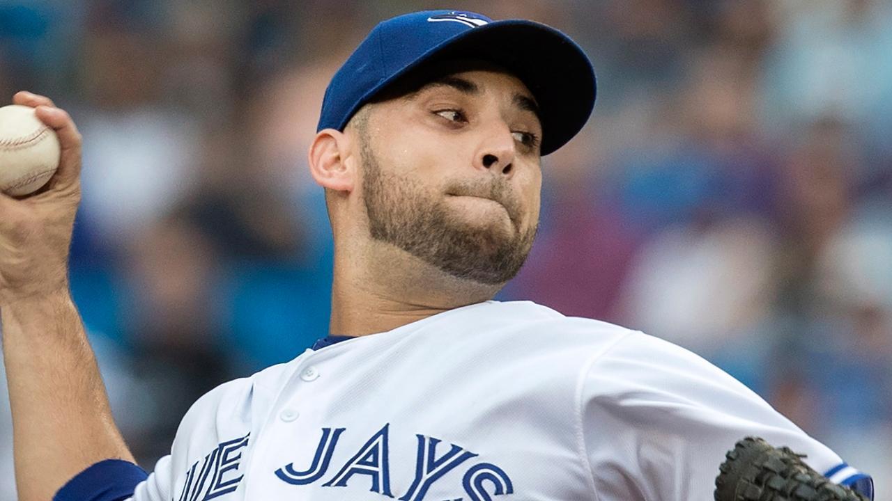 Marco Estrada seguiría en Toronto pese a ser reclamado de la lista de waivers