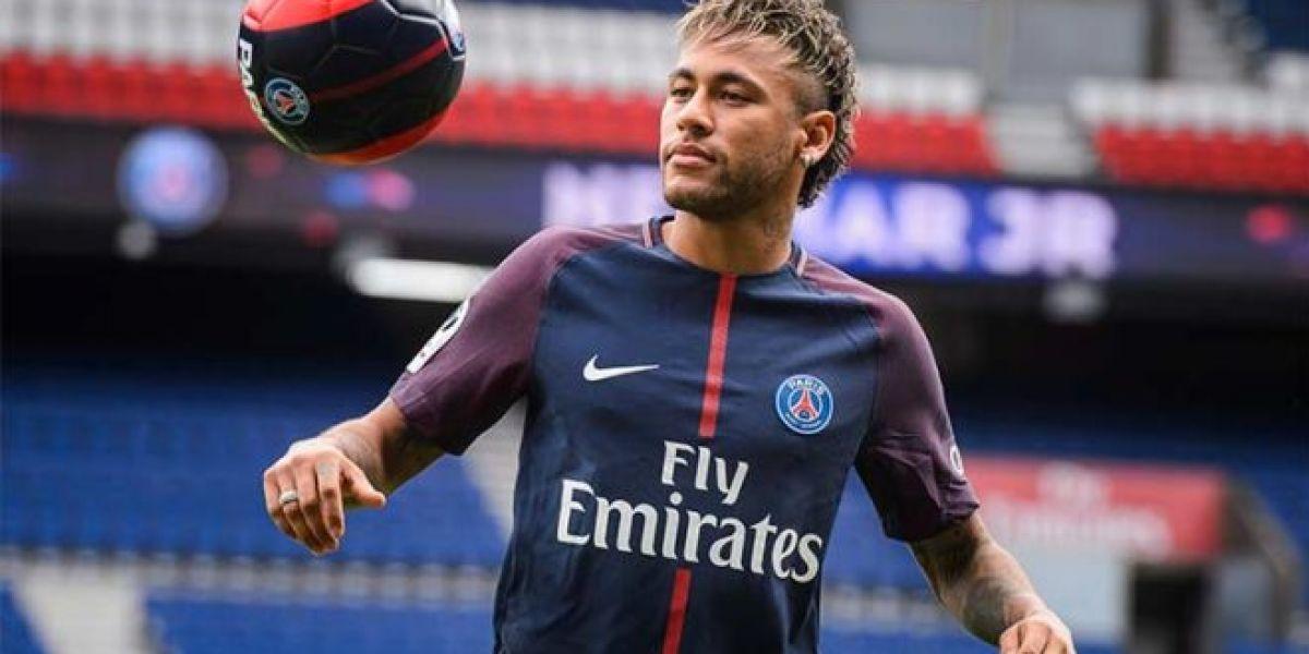 Neymar podría demandar al Barcelona ante la FIFA