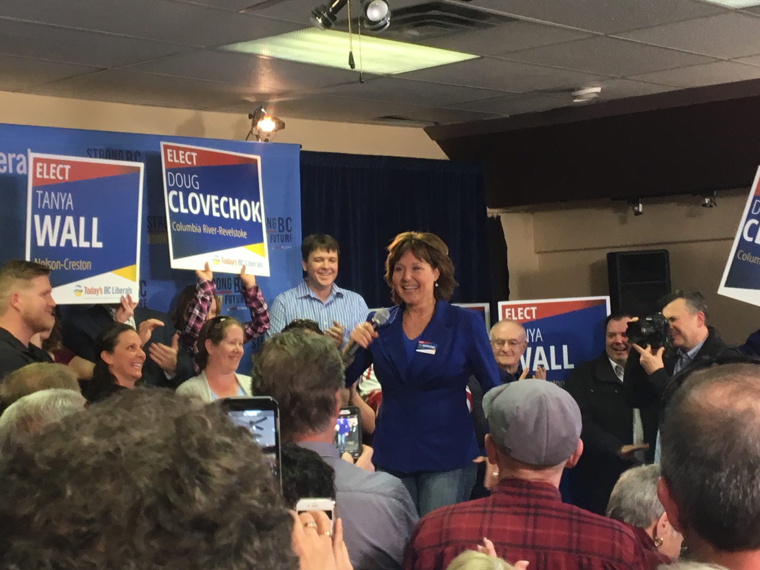Campaign trail brings Premier Clark through East Kootenay