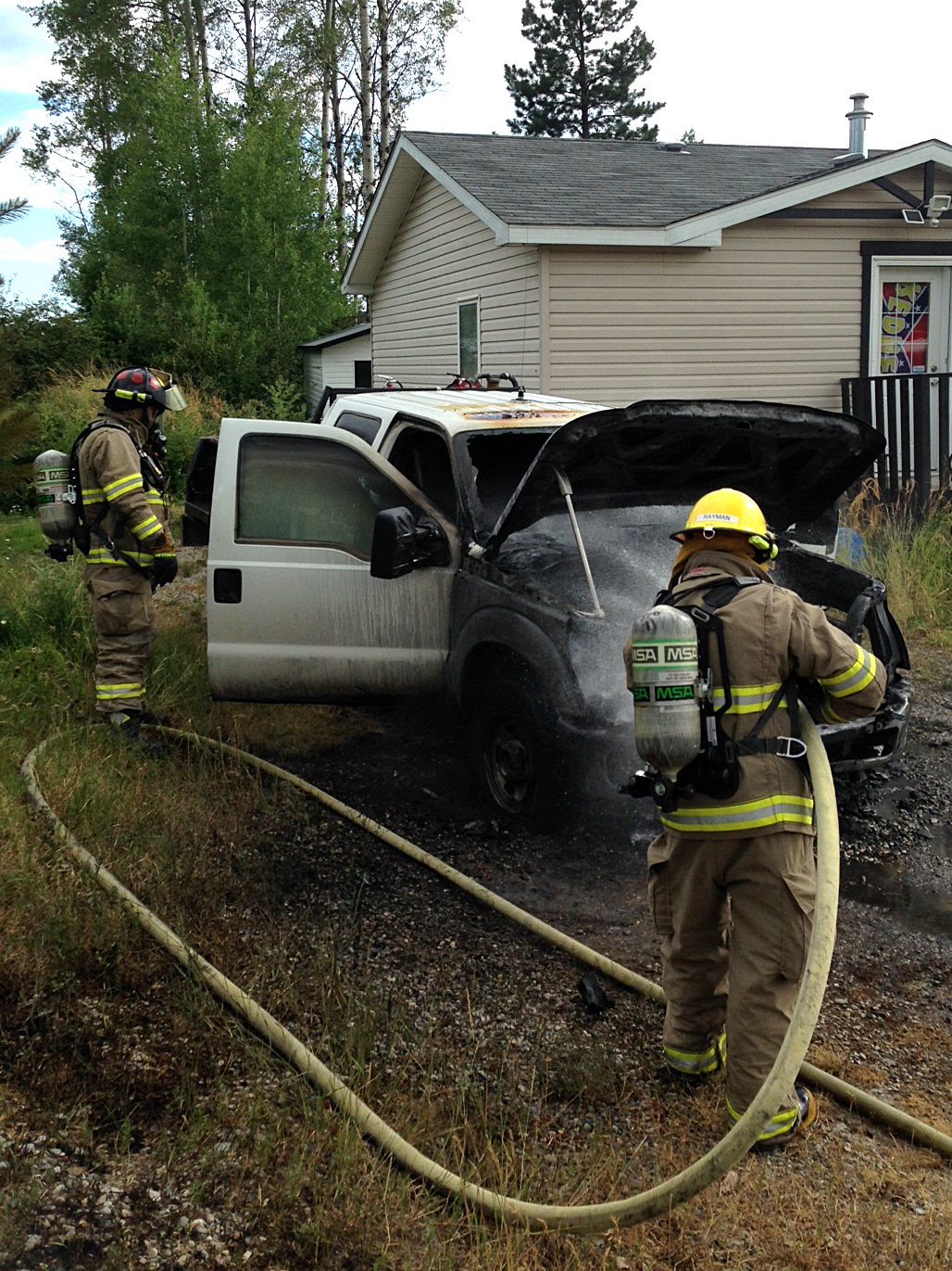 Neighbours help extinguish vehicle fire near Jaffray