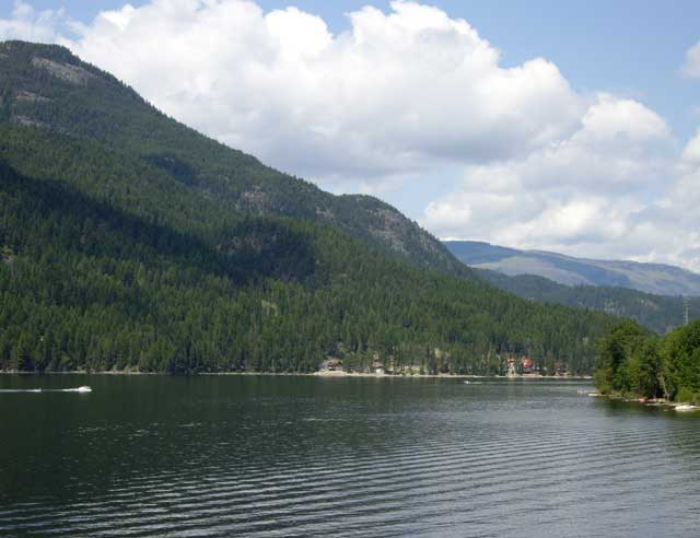 Biologists sampling Moyie Lake for millions of fish eggs