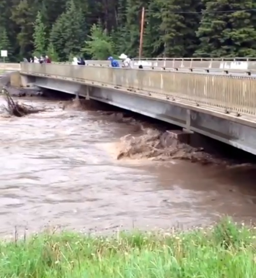 Elkford shoring up flood protection
