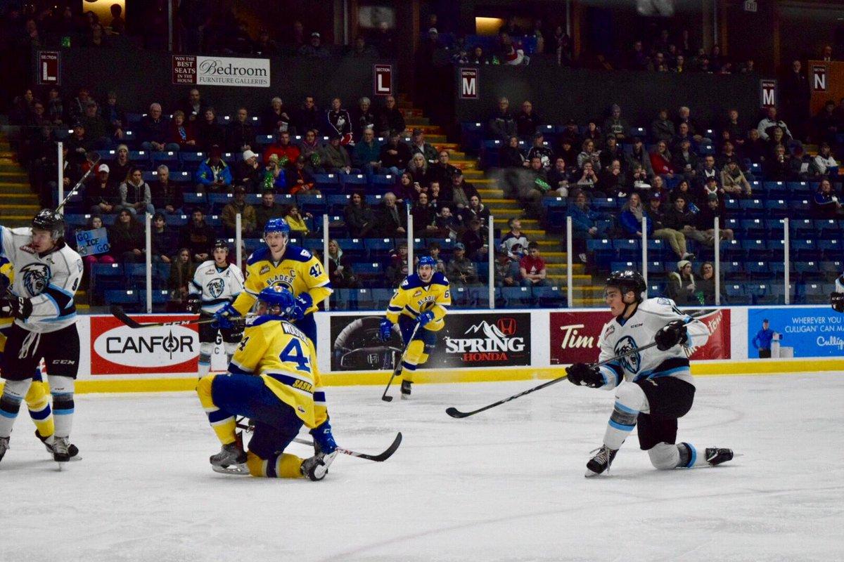 WHL: Blades edge ICE 3-2