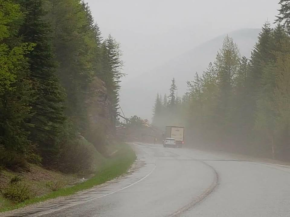 Mudslide closes Hwy 3 west of Creston