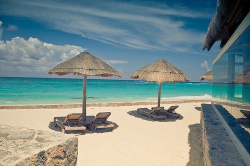 Cancun Travel Site Wants To Pay Someone 60k To Lay On The Beach