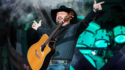 Garth Brooks Hints 2019 Tour