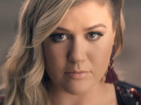 Kelly Clarkson Was Robbed