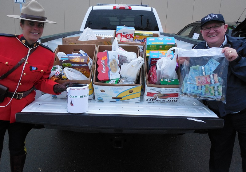 Two hour food drive a hit in Parksville