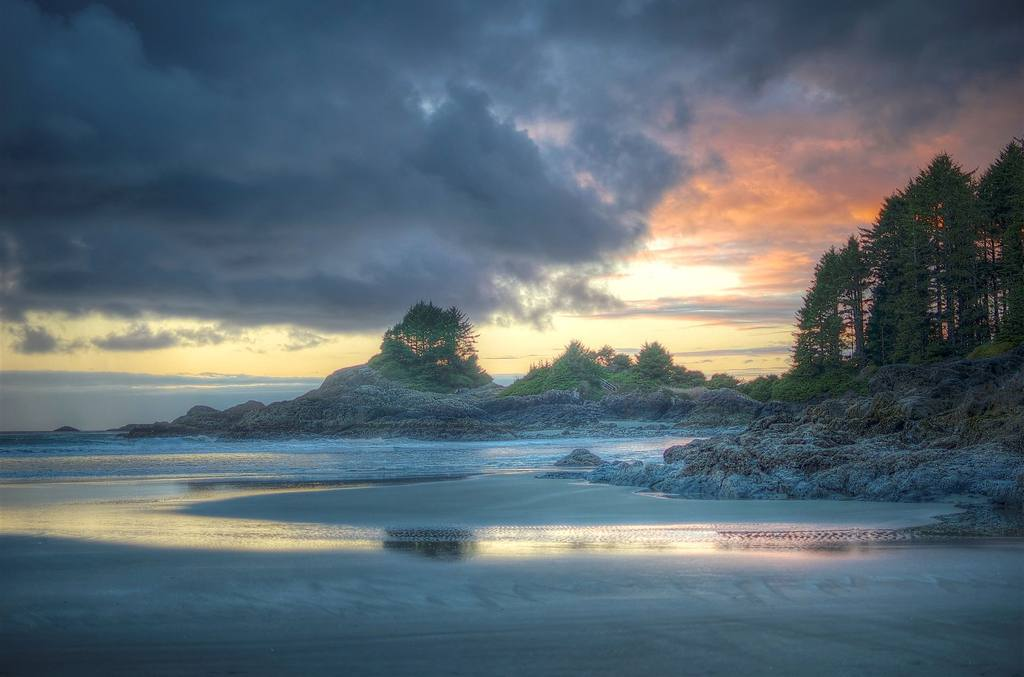 sunset-from-tofino-beach-jpg-1024x0