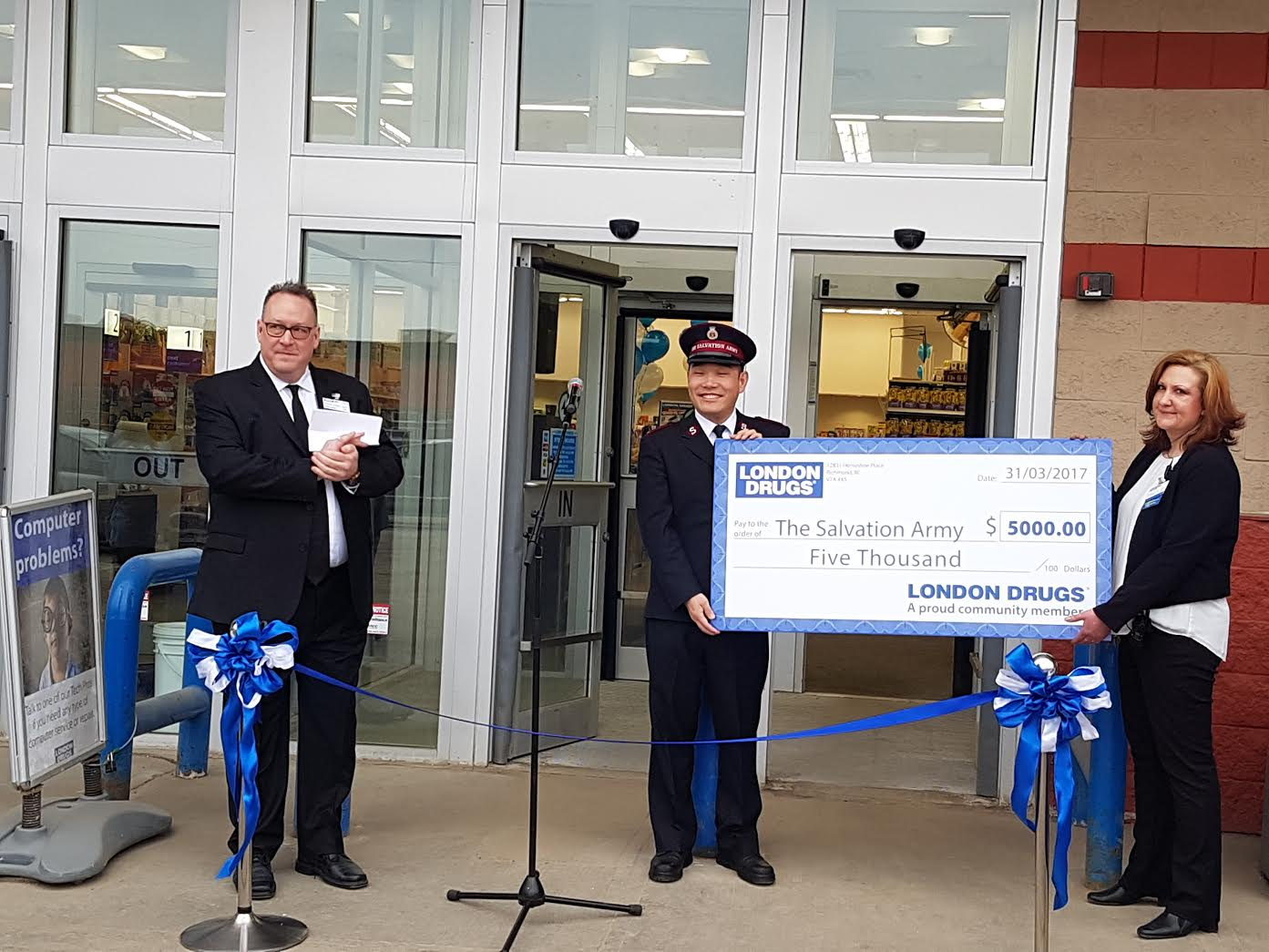 Grande Prairie London Drugs celebrates grand reopening with a $5,000 dollar donation to the Salvation Army