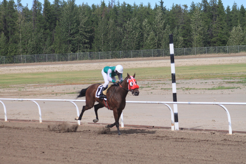 Racing Club scores first Grande Prairie win during Derby Day races