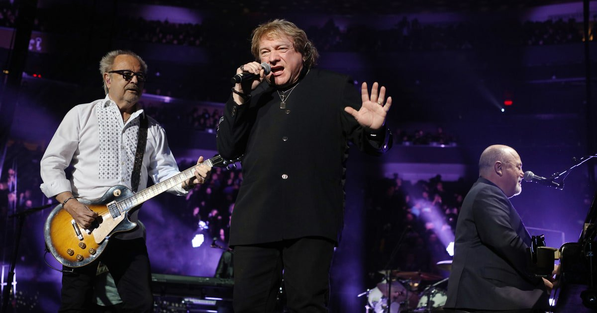 Watch Billy Joel's Surprise Foreigner Reunion with Lou Gramm & Mick Jones