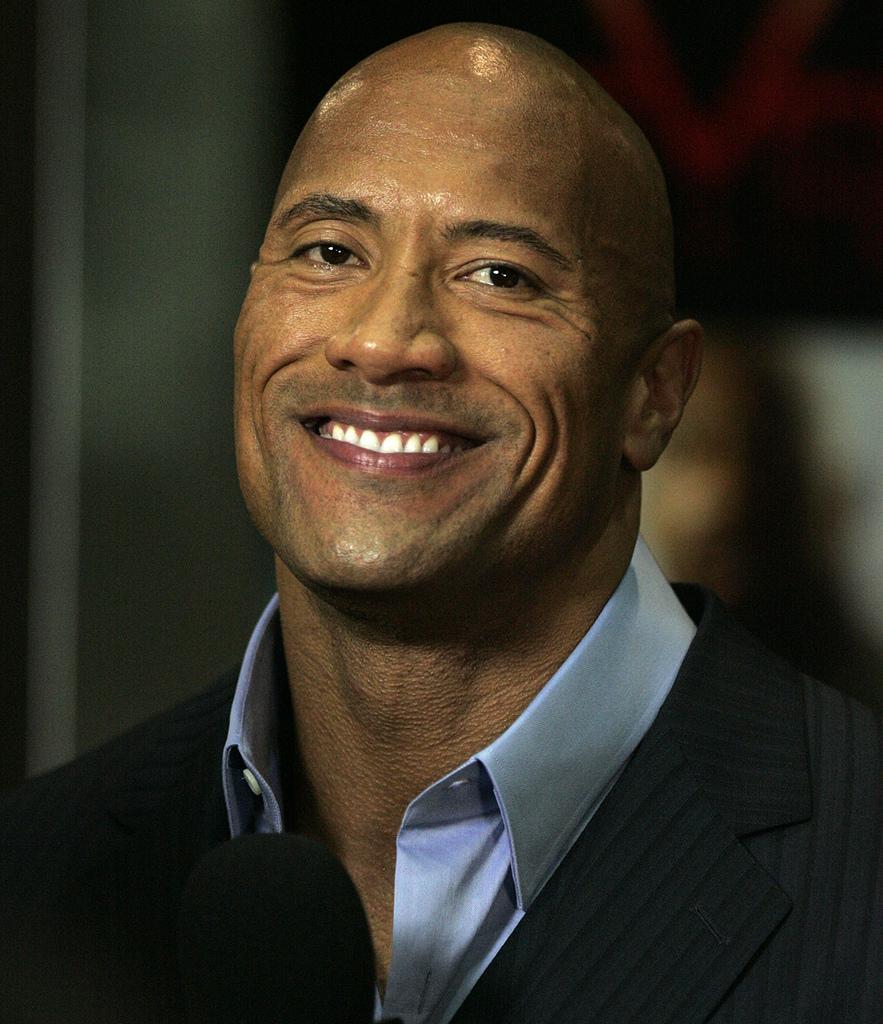 Dwayne 'The Rock' Johnson Talks Jumaji Records & Sequel Spoilers