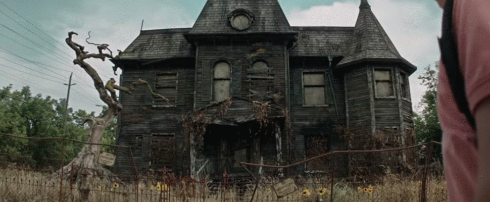 YOU CAN GO SEE THE 'IT' MOVIE MANSION IN PERSON...IF YOU DARE!