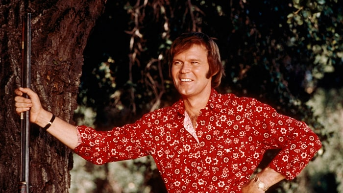 GLEN CAMPBELL LOSES HIS BATTLE WITH ALZHEIMERS
