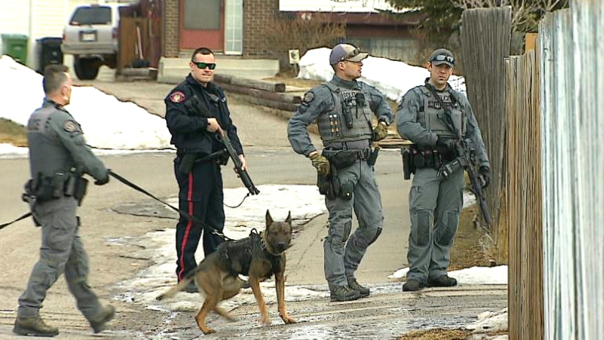 CALGARY POLICE OFFICER SHOT DURING A STANDOFF YESTERDAY---IN STABLE CONDITION IN THE HOSPITAL