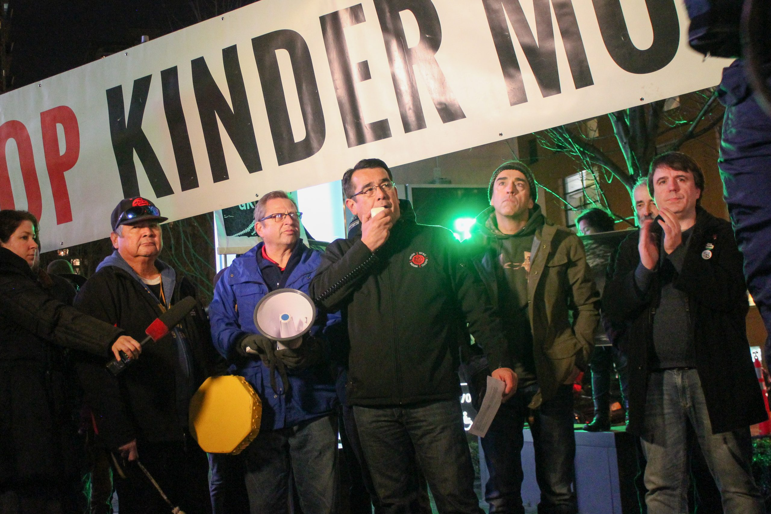 KINDER MORGAN SAYS ITS GOING TO PULL THE PLUG ON THE TRANSMOUNTAIN LINE IF THINGS ARENT SETTLED BY MAY 31ST