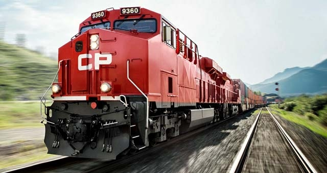 CP RAIL WORKERS STILL POISED TO STRIKE