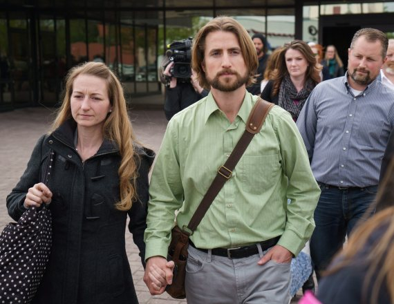 PARENTS CONVICTED IN CHILD'S MENINGITIS DEATH---BEFORE THE SUPREME COURT TODAY