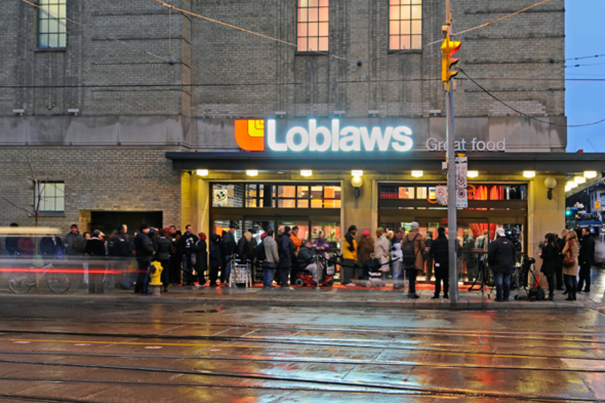Loblaws‌ is giving away free groceries in 2018 as a Mea Culpa