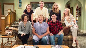 "Tom Arnold Says Roseanne Blocked Him From Dating ""Roseanne"" Cast Member"
