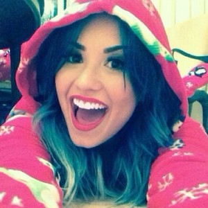 Demi Lovato feels she has more in common with homeless people...